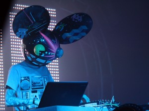 Joonbug.com's Deadmau5 Unhooked New Year's Eve 2012 DJ Set